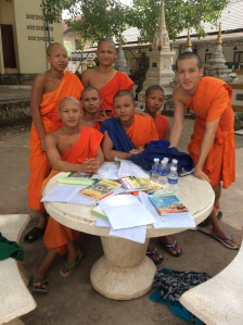 Practicing English with novices and monk...